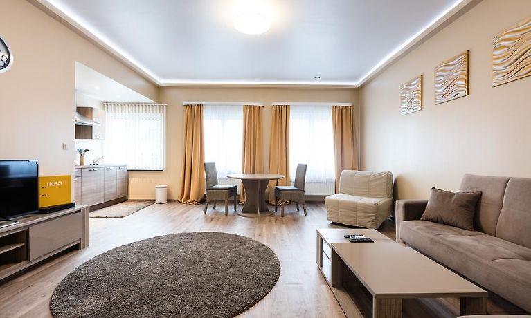 beau sejour appart bruxelles. Black Bedroom Furniture Sets. Home Design Ideas